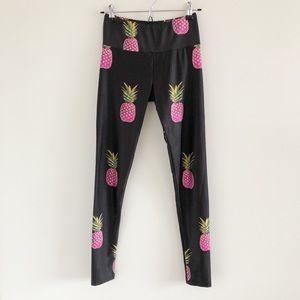 Goldsheep Pink Pineapple Print Black Leggings Med